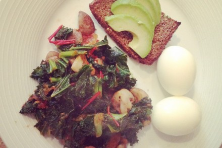 Kale, mushroom and tomato breakfast stir-fry