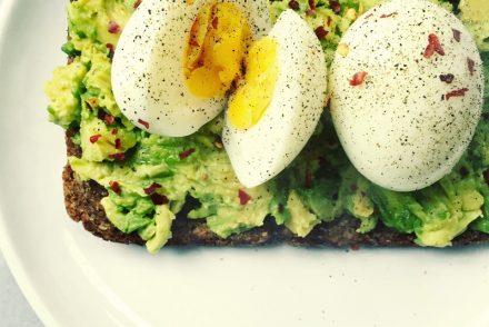 Smashed avocado and eggs recipe