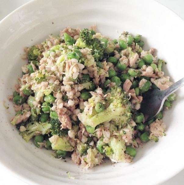 Tuna, pea and buckwheat salad