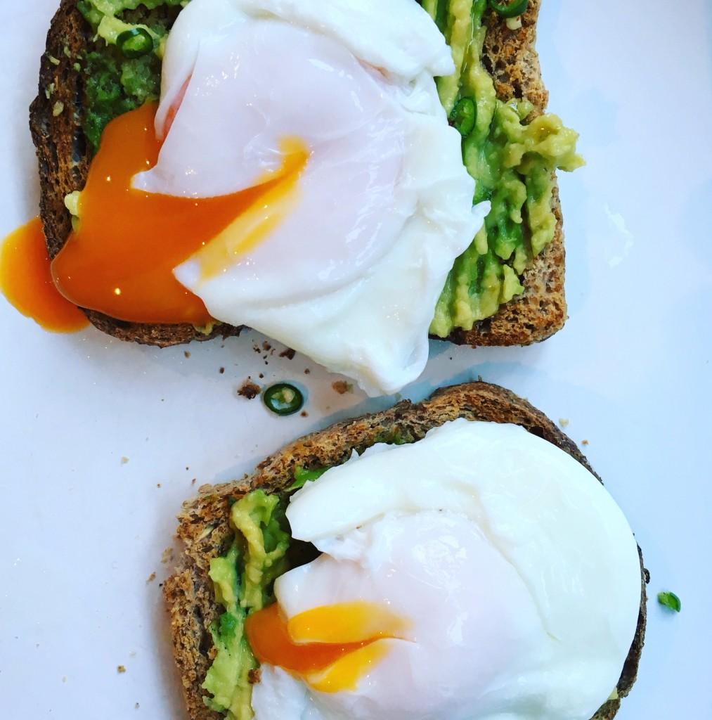 Healthy avocado toast with poached eggs recipe