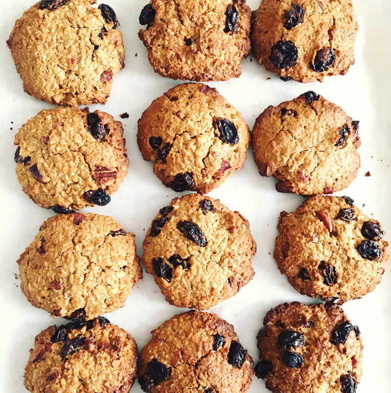 Oat and raisin cookies recipe