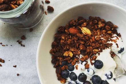 Healthy Cocoa and coconut granola recipe
